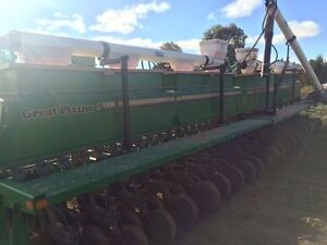 1997 Great Plains 3010NT Solid Stand 30 Foot Drill London Ontario image 3