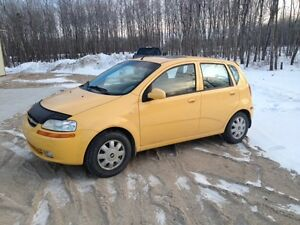 2005 Chevrolet Aveo 5-speed w/ Sunroof!