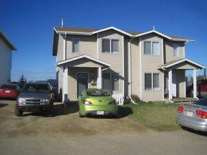 Rm for Rent :Townhm Fully furnished  #9 Lake View Cl, Blackfalds