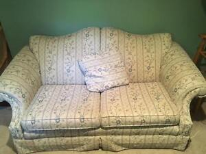 Roxton Love Seat for Sale