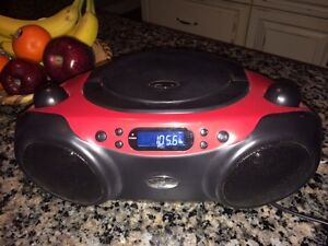 Nearly-New Radio/CD Player - GREAT SOUND!