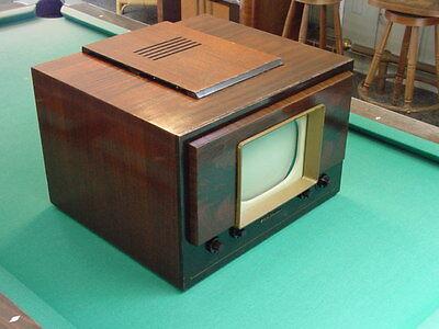 "Classic 1940's RCA ""Bystander"" Model 8-T-241 10"" Table Top TV"