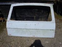 classic range rover one piece rear tailgate in glassfibre