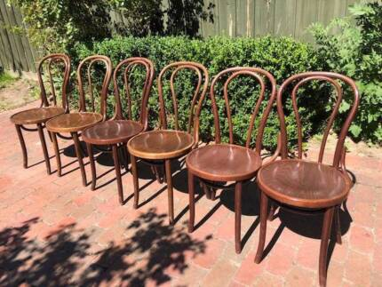 FREE DELIVERY Rare 6 Thonet style Bentwood No.18 chairs + table!