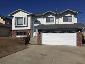 Beautiful Home For Sale In Drayton Valley