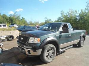 WORK TRUCK! , GREAT DEAL! , LOW MILEAGE 4X4 2006 8FT..