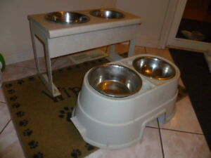2 - ELEVATED DOG FOOD BOWL STANDS