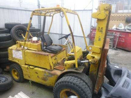 CLARK FORKLIFTS CY80 3.5 ton ,  Very Old