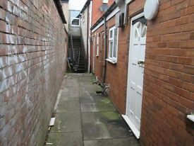 2 x 1 Bed Self contained Studio Flats on Ladypool Rd