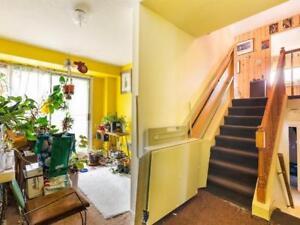 Monte escalier à vendre-  stairs elevator to sale