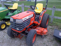 1998 Kubota 1700 4WD Compact Tractor with Mower