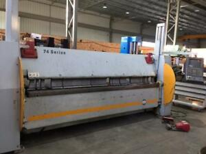 RAS Series 74.30 CNC Folding Machine