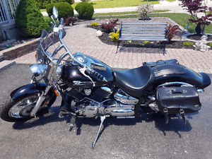 Selling great condition Yamaha v star custom