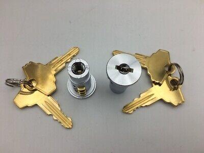 2 Locks and Keys gumball machine candy machine  Northwestern Acorn Komet 4 Keys