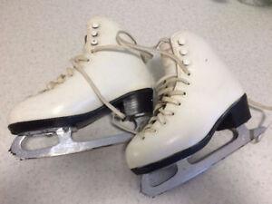 Ladies white figure skates, Size 7