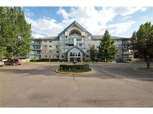 EXCELLENT CONDO WITH 2 BEDS, 2 BATHS! CLOSE TO ALL AMENITIES