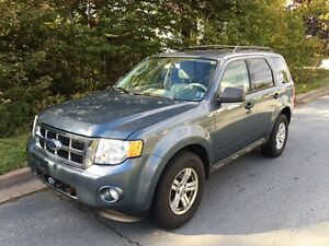 2010 Ford Escape XLT, AWD, V6, leather