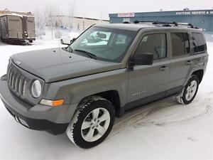 2012 Jeep Patriot Limited 4x4 ~ Heated Leather~Sunroof $138 B/W