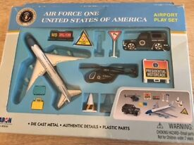 Air Force One Play Set & Racing Car Construction