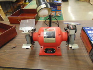 BENCH GRINDER LIKE NEW 6 IN