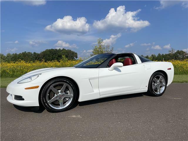 2006 White Chevrolet Corvette  3LT   C6 Corvette Photo 4
