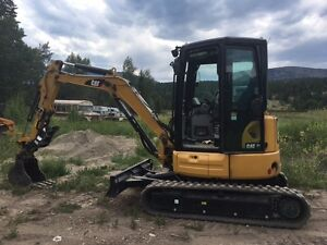 CAT 303.5 E2 MINI EXCAVATOR - 250 HRS ALMOST NEW