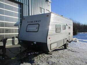 ***USED TRAVEL TRAILER*** 2018 FOREST RIVER VIKING 17FB