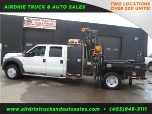 2011 Ford Super Duty F-550 DRW XLT picker truck