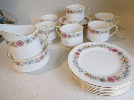 ROYAL ALBERT 'BELINDA'  bone China TEA SERVICE.  Vintage