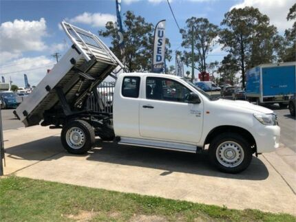 2014 Toyota Hilux KUN26R MY14 SR White Manual Cab Chassis Mulgrave Hawkesbury Area Preview