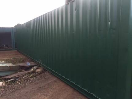 40' Fully Painted Shipping Container