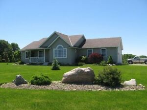 Country Living! 66 km from KW and Stratford!
