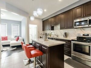 ID#18007 Modern End Unit FREEHOLD Townhome Like Semi! Built 2017