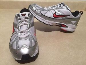 Youth Nike Dart VI Running Shoes Size 6 Y London Ontario image 1