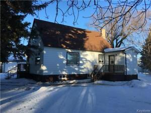 Well maintained 3 BR home on large lot in Shoal Lake MB