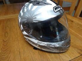 Box Full Face Crash Helmet M , Air Vents, Internal Sun Visor, Quick Release Strap