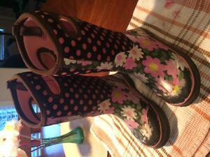 Girls BOGS winter boots, size 13
