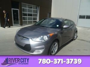 2012 Hyundai Veloster TECH Navigation (GPS),  Leather,  Heated S