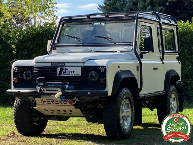 LAND ROVER Defender 90 2.5 Tdi cat S.W. County