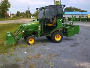 2015 JOHN DEERE 1025R COMPACT UTILITY TRACTOR