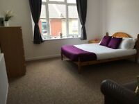 Large double room to let in shared 5bed house