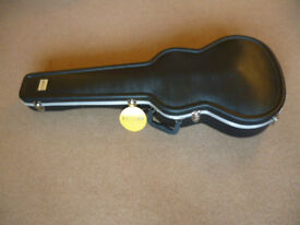 Kinsman KGC 8600 Premium Shaped ABS Classical Or Large Parlour Acoustic Guitar Case. New & Unused.