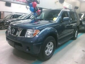 2006 Nissan Pathfinder LE 4WD, 7 SEAT, HITCH, ACCIDENT-FREE