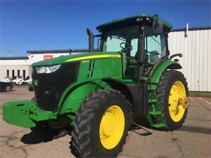 2013 JOHN DEERE 7215R TRACTOR WITH CAB