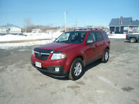 2010 Mazda Tribute Gold cloth SUV, Crossover