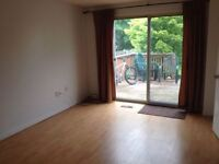 LARGE ROOM NEAR COLLEGE