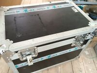 Black Flightcase for sale 40x40x60cm Aprox. - Great Condition!