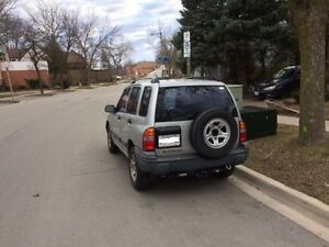 2001 Chevrolet Tracker SUV, Crossover