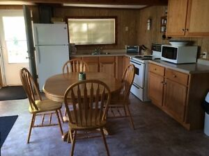Family Cottage in Grand Marais, 5 mins to Grand Beach!