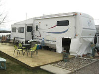 2000 Cardinal 35LX Fifth Wheel - PRICED FOR QUICK SALE